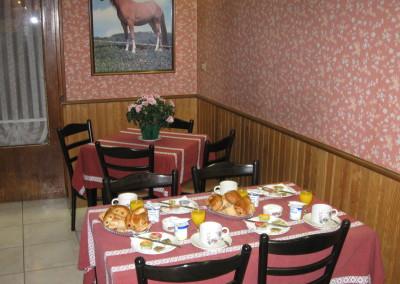 salle petits déjeuners 011