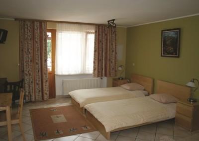 2011-Hotel 053small
