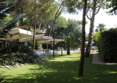 giardino-hotel-ermione-marina-di-pietrasanta-versilia2